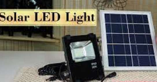 Solar Flood Light LED, Outdoor Security Lighting Fixture, Remote Controlled, Light Sensor, 25 Watts