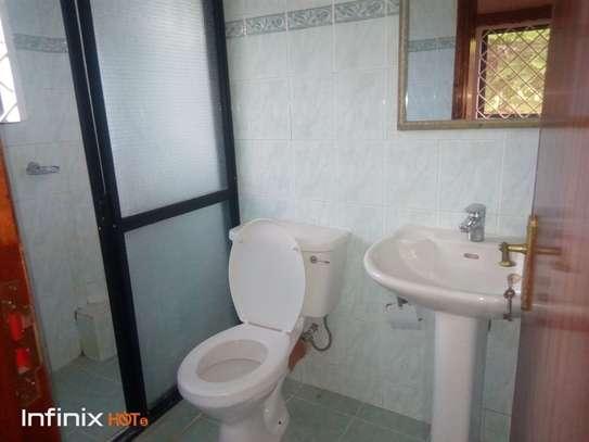 5 bedroom house for rent in Runda image 12