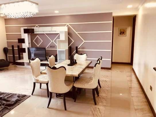 Furnished 3 bedroom apartment for rent in Hurlingham image 2