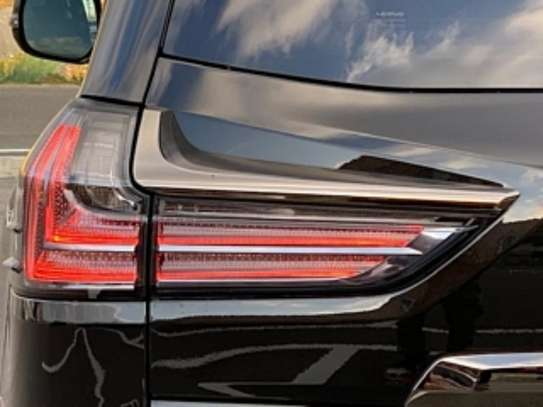 Lexus LX 570 2019 Black image 9