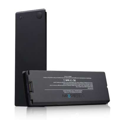 A1181 A1185 Macbook 13 Inch Battery image 3