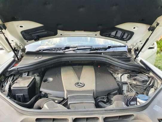 Mercedes-Benz ML350 image 9