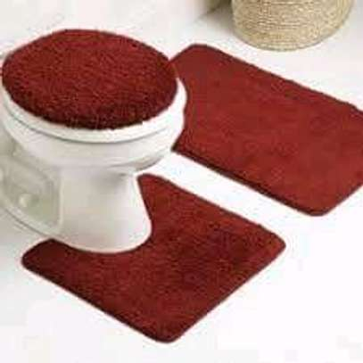 Toilet Set and Unique Rugs image 2