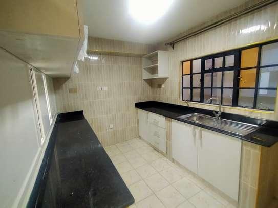 newly refurbished 4  bedroom maisonette plus sq image 1