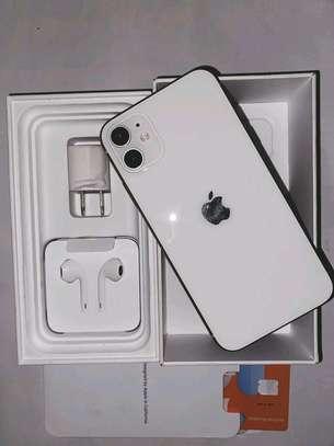 APPLE IPHONE 11 64GB image 3