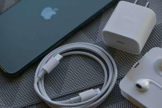 iPhone 11 Pro 64GB + Free Screen protector image 4