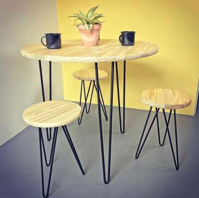 MINIMALIST DINING TABLE image 1