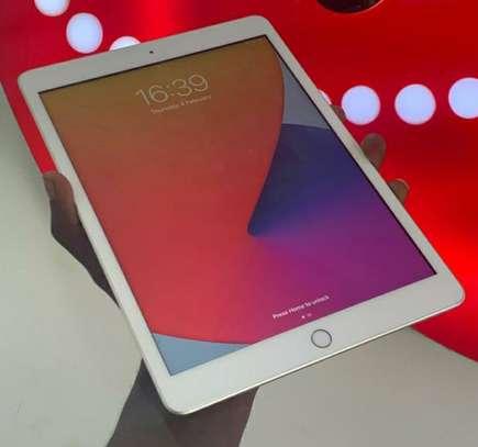 iPad Air 2 image 1