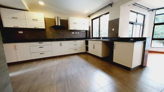 5 bedroom house for rent in Lavington image 13