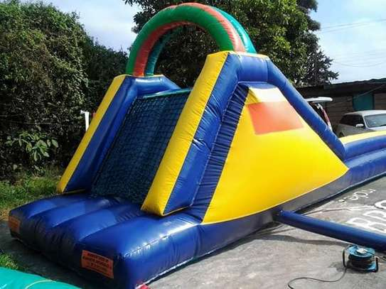 we hire bouncing castles,trampolines,facepainting and clown