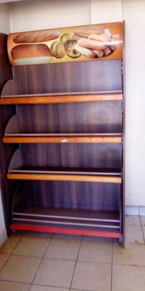 Shop shelves and display units image 1