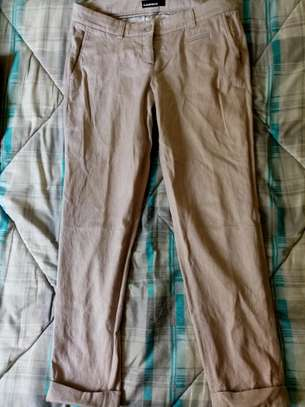 Second hand Lady trousers. image 2