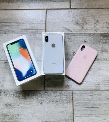 Apple IPhone x 256 Gigabytes Silver And Airpods image 1