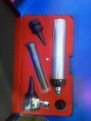 Otoscope image 1