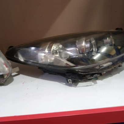 Ex Japan headlight demio xenon image 2