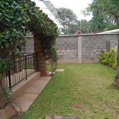 5 bedroom villa for rent in Lavington image 17