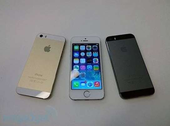 Apple iPhone 5s 32gb ON OFFER image 2