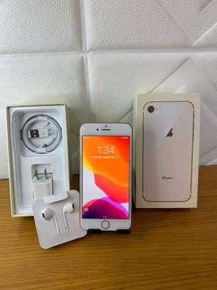 Apple Iphone 8 Mint 256 Gigabytes Gold Model Under Warranty image 2