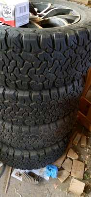 285/55R20 BF GOODRICH 4pcs 1 month used tyres image 3