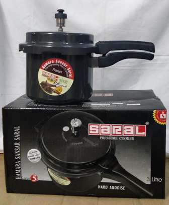 Pressure Cooker*Nonstick*3L*KSh 3500 image 1