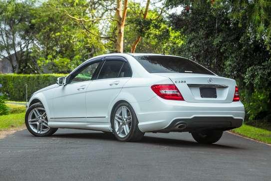 Mercedes-Benz C200 image 5