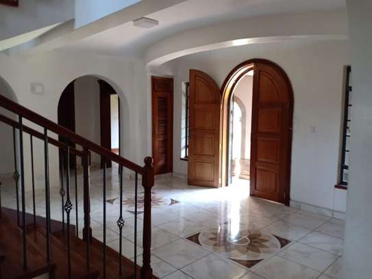 5 bedroom house for rent in North Muthaiga image 6