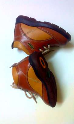 Leather shoe for toddlers image 1