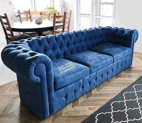 Three seater sofa/chesterfield sofas image 2