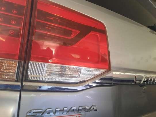 Toyota Land Cruiser Sahara image 7