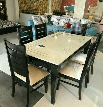 6 sitter dinning table