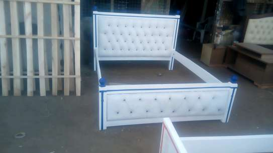 5x6  Tufted bed image 2