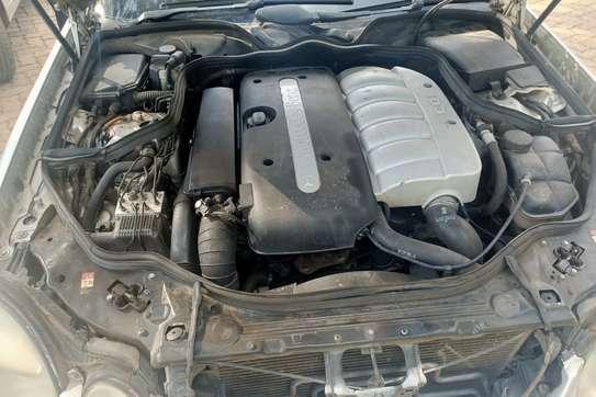 Mercedes-Benz E270 image 9