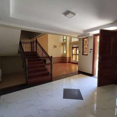 5 bedroom villa for rent in Lavington image 5