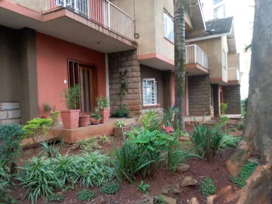 3 bedroom plus sq to let image 1