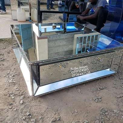Mirrored coffee table/coffee tables image 1