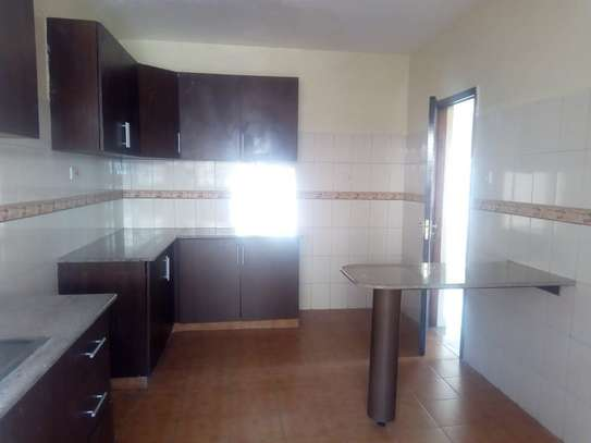 4 bedroom house for rent in Syokimau image 7