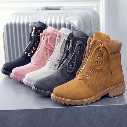 Ladies Timberland shoes image 3