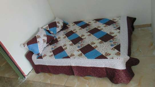 7 by 8 Bedcovers..4 pieces image 6