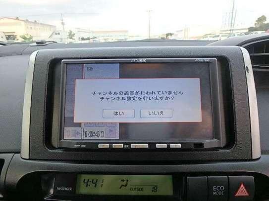 Toyota Wish image 6