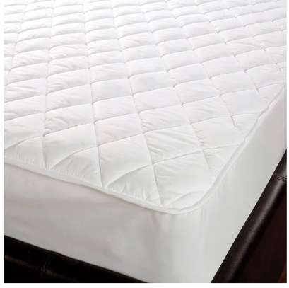 water proof mattress protector  5 by 6 image 1