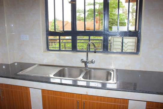 Luxurious 2 bedroom master Ensuite apartment image 3