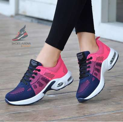 Sport shoes image 8