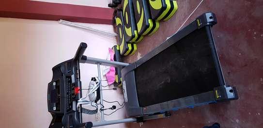 Rambo ishine-8L semi-commercial treadmill image 1