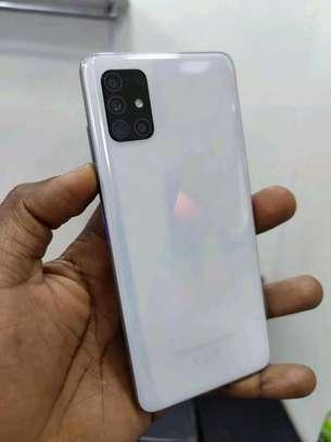 mobile Samsung a31 image 1