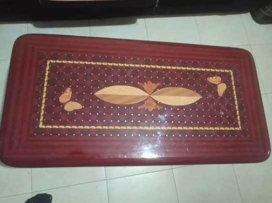 Sleek beautiful sitting room table. image 1