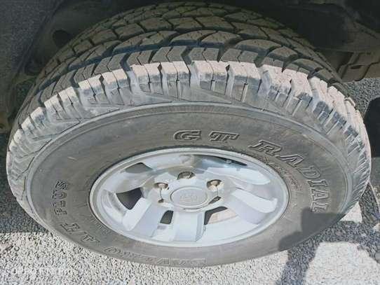 Toyota RAV4 image 8