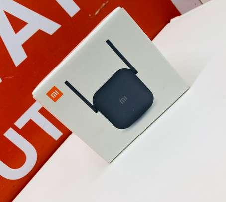 Xiaomi Mi WiFi Range Extender Pro image 2