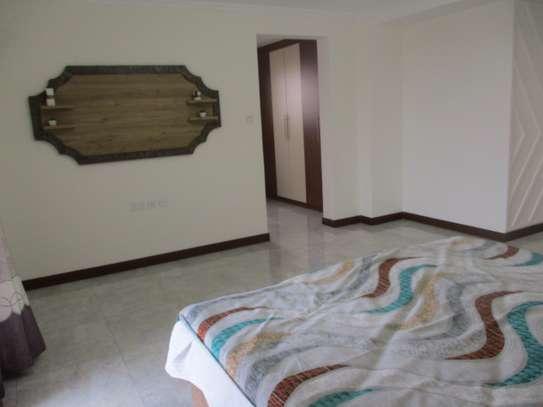 Furnished 3 bedroom apartment for rent in Kilimani image 10