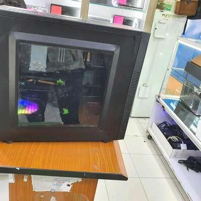 Specs CPU: Intel Core i7 4770 GPU: XFX Radeon Rx 580 4GB Motherboard: Gigabyte RAM: 32GB Corsair Vengeance image 3