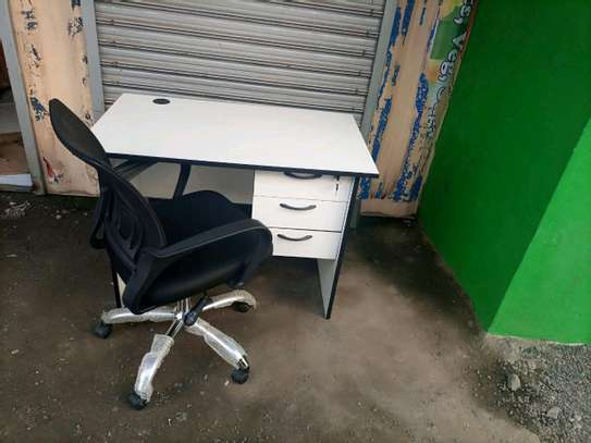 Office desk and chair 1m image 1